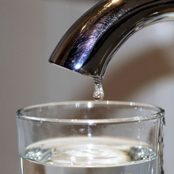 L'eau du robinet, ça coule de source